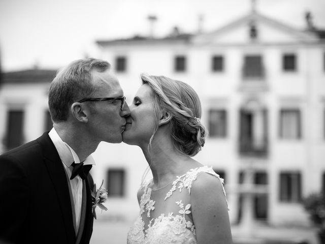 Il matrimonio di Andrea e Aurèlie a Colle Umberto, Treviso 91