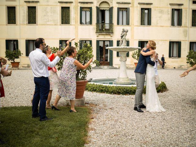 Il matrimonio di Andrea e Aurèlie a Colle Umberto, Treviso 99