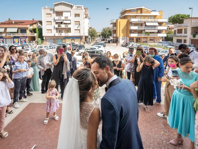 Il matrimonio di Simone e Federica a Roseto degli Abruzzi, Teramo 32