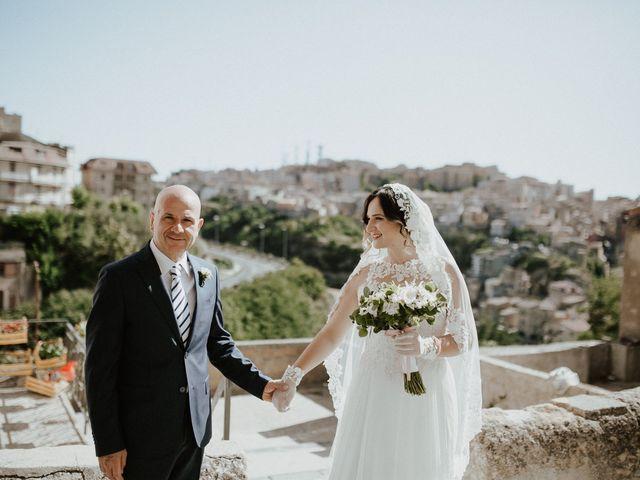 Il matrimonio di Salvo e Mariangela a Enna, Enna 30