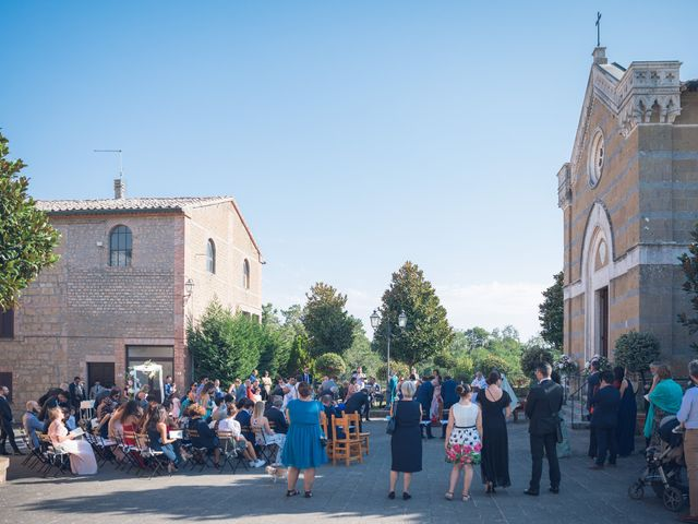 Il matrimonio di Laura e Giovanni a Pitigliano, Grosseto 14