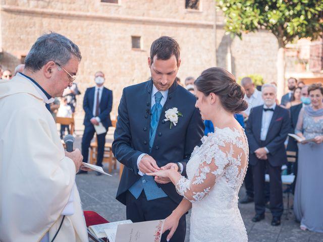Il matrimonio di Laura e Giovanni a Pitigliano, Grosseto 15