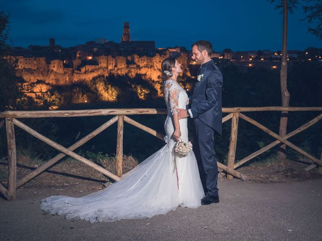 Il matrimonio di Laura e Giovanni a Pitigliano, Grosseto 28