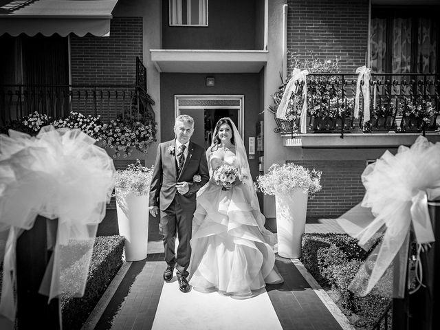 Il matrimonio di Marco e Roberta a Maiolati Spontini, Ancona 22