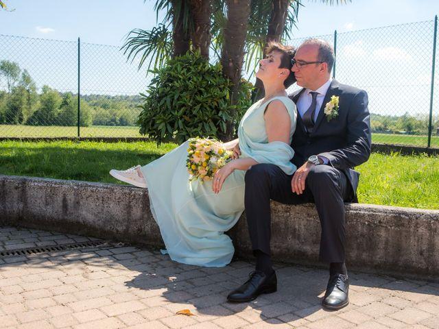 Il matrimonio di Roberto e Chiara a Binago, Como 24