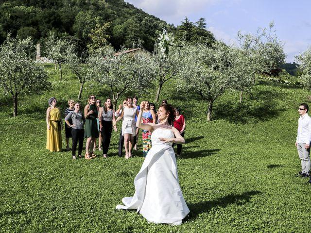 Il matrimonio di Matteo e Cristina a Villa di Serio, Bergamo 28