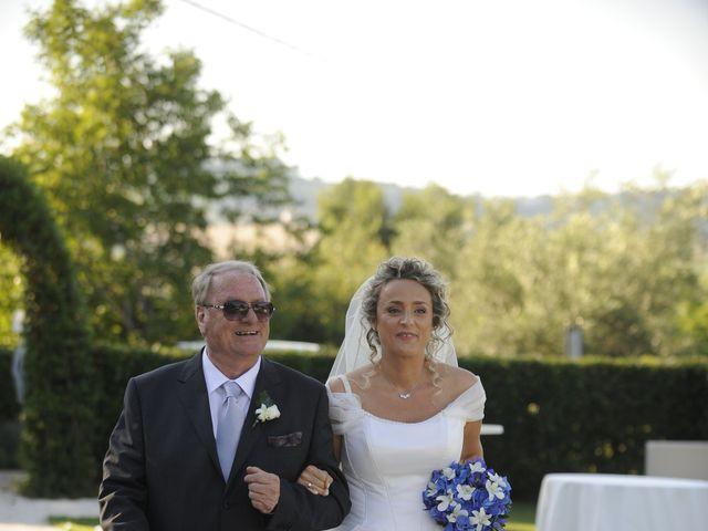 Il matrimonio di Fabrizio e Erica a Mogliano, Macerata 11