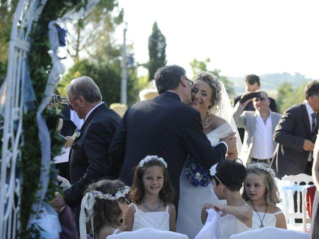 Il matrimonio di Fabrizio e Erica a Mogliano, Macerata 13