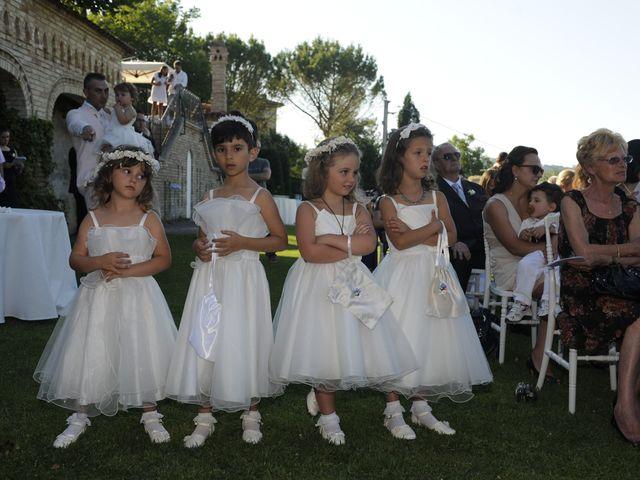 Il matrimonio di Fabrizio e Erica a Mogliano, Macerata 18