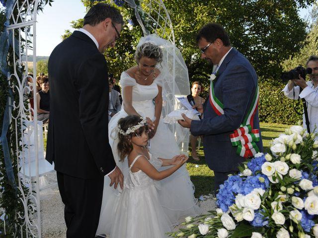 Il matrimonio di Fabrizio e Erica a Mogliano, Macerata 23