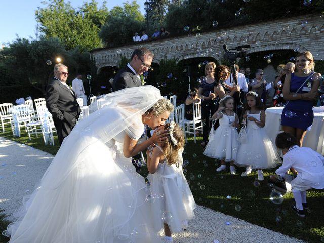 Il matrimonio di Fabrizio e Erica a Mogliano, Macerata 31