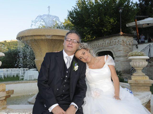 Il matrimonio di Fabrizio e Erica a Mogliano, Macerata 33