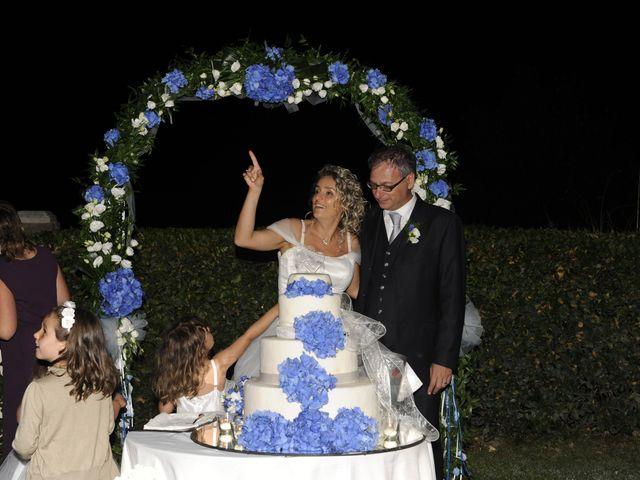 Il matrimonio di Fabrizio e Erica a Mogliano, Macerata 57