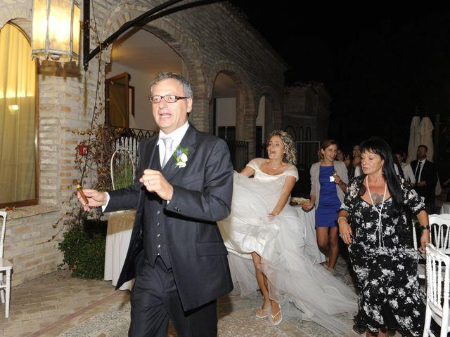 Il matrimonio di Fabrizio e Erica a Mogliano, Macerata 63