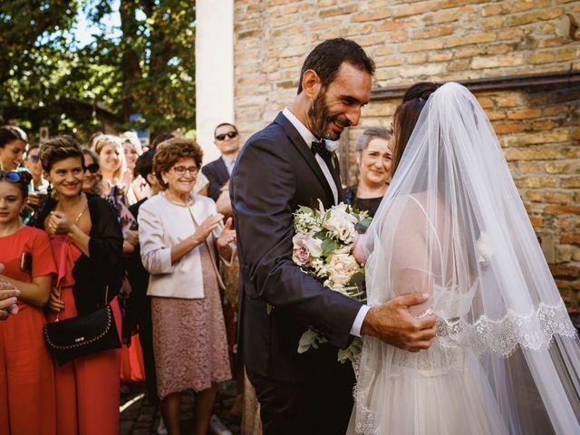 Il matrimonio di Andrea e Ramona a Serrungarina, Pesaro - Urbino 12