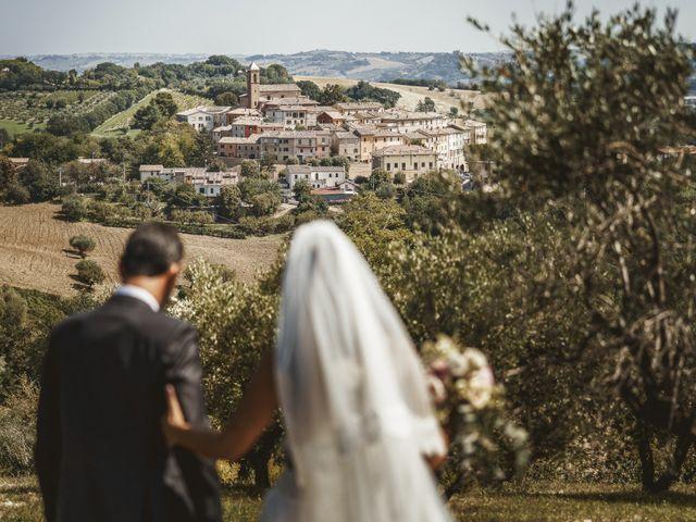 Il matrimonio di Andrea e Ramona a Serrungarina, Pesaro - Urbino 25