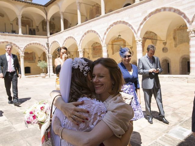 Il matrimonio di Mario e Cristina a Assisi, Perugia 23