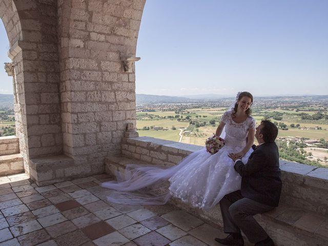 Il matrimonio di Mario e Cristina a Assisi, Perugia 28
