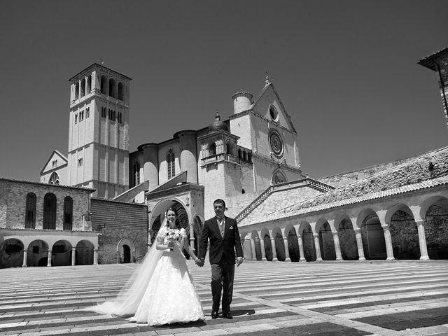 Il matrimonio di Mario e Cristina a Assisi, Perugia 29