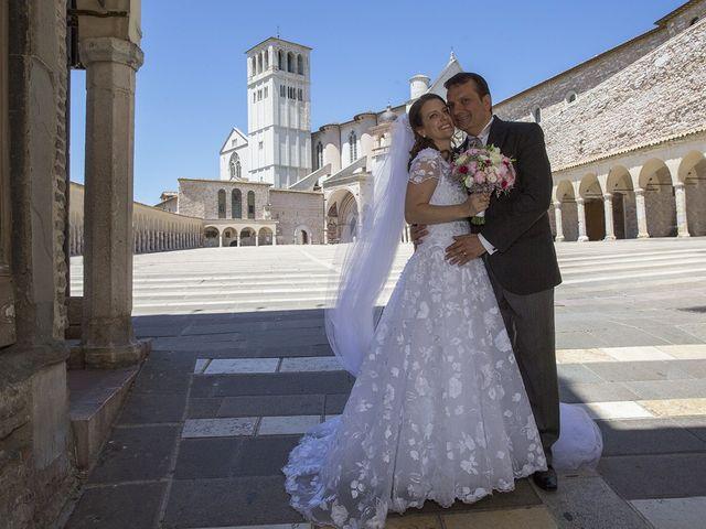 Il matrimonio di Mario e Cristina a Assisi, Perugia 30