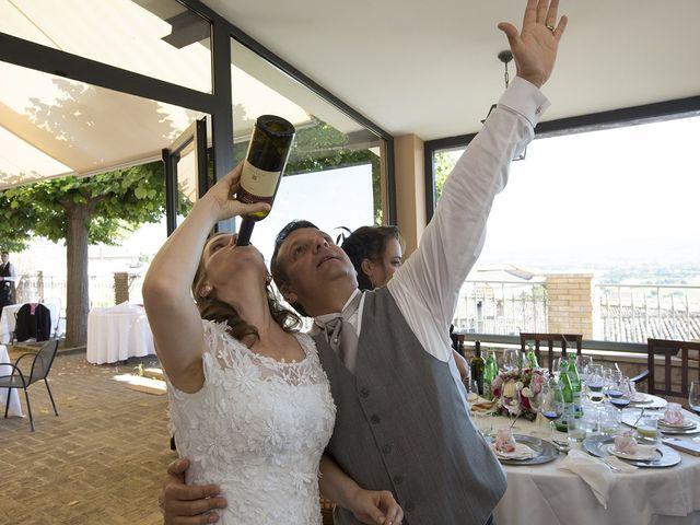 Il matrimonio di Mario e Cristina a Assisi, Perugia 37
