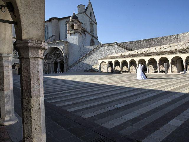 Il matrimonio di Mario e Cristina a Assisi, Perugia 40