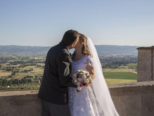 Il matrimonio di Mario e Cristina a Assisi, Perugia 42