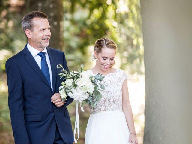 Il matrimonio di Tiziano e Marlene a Civenna, Como 35