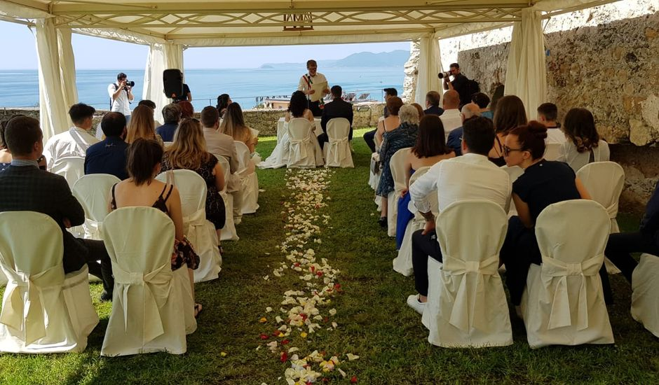 Il matrimonio di Fabio e Laura a Finale Ligure, Savona