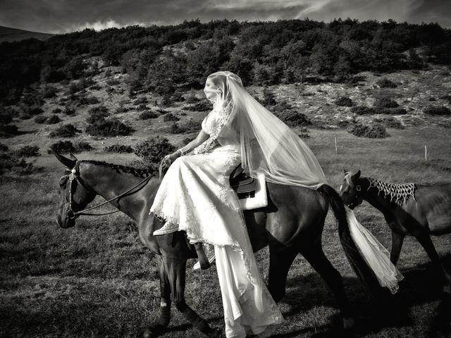 Il matrimonio di Mirko e Sara a Muccia, Macerata 5