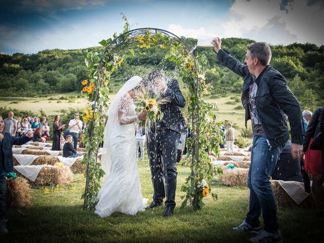 Il matrimonio di Mirko e Sara a Muccia, Macerata 6