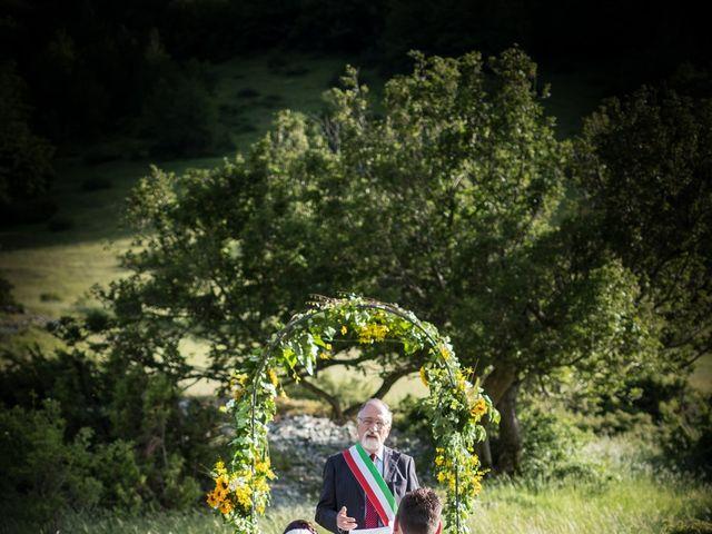Il matrimonio di Mirko e Sara a Muccia, Macerata 12