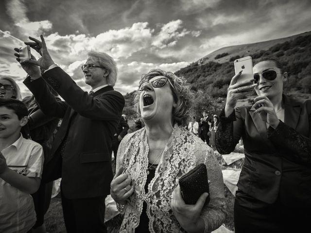 Il matrimonio di Mirko e Sara a Muccia, Macerata 15