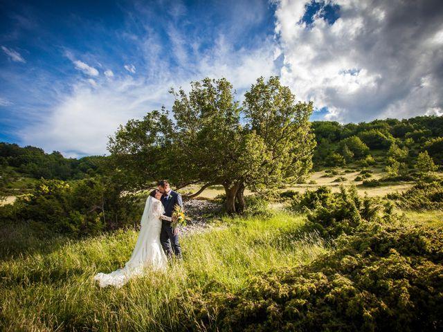 Il matrimonio di Mirko e Sara a Muccia, Macerata 16