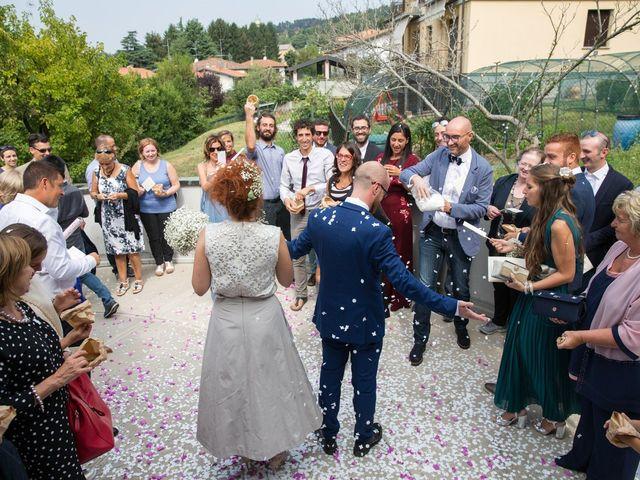 Il matrimonio di Mario e Silvia a Capiago Intimiano, Como 18