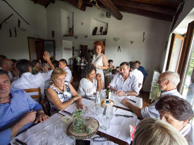 Il matrimonio di Mario e Silvia a Capiago Intimiano, Como 31