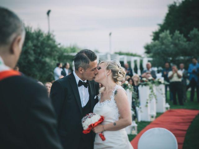 Il matrimonio di Marco e Laura a Lamezia Terme, Catanzaro 18
