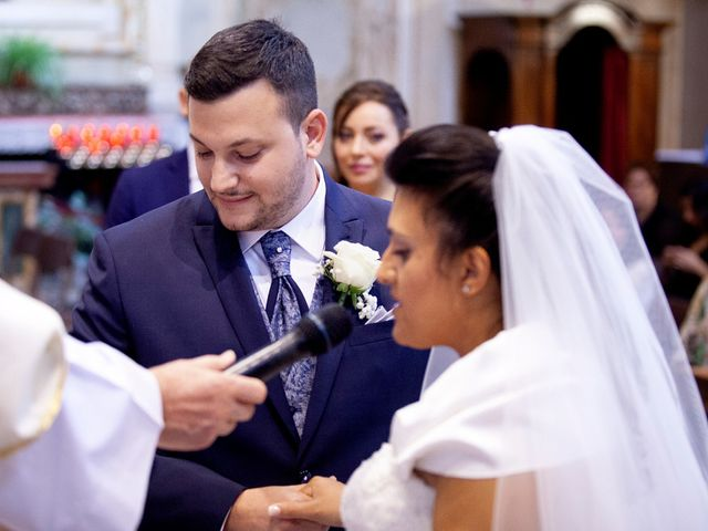Il matrimonio di Massimo e Laura a Inverigo, Como 19