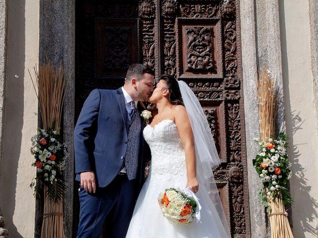 Il matrimonio di Massimo e Laura a Inverigo, Como 28