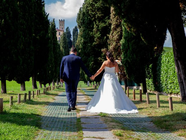 Il matrimonio di Massimo e Laura a Inverigo, Como 30