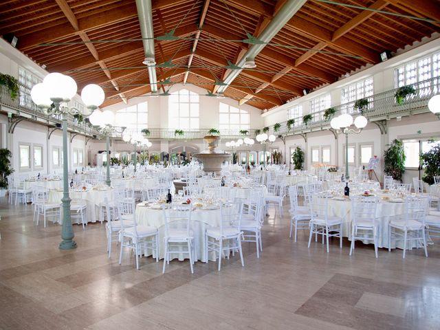 Il matrimonio di Massimo e Laura a Inverigo, Como 41