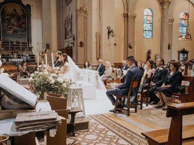 Il matrimonio di Lorenzo e Jessica a Clivio, Varese 24