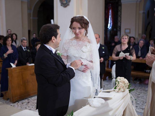 Il matrimonio di Francesco e Raffaella a Loreto Aprutino, Pescara 37