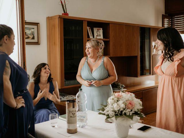 Il matrimonio di Mattia e Ambra a Vergiate, Varese 9