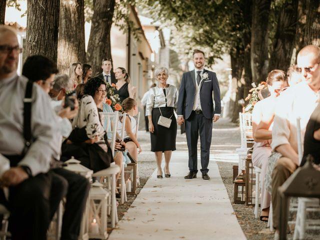 Il matrimonio di Mattia e Ambra a Vergiate, Varese 21