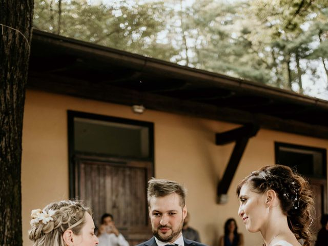 Il matrimonio di Mattia e Ambra a Vergiate, Varese 40