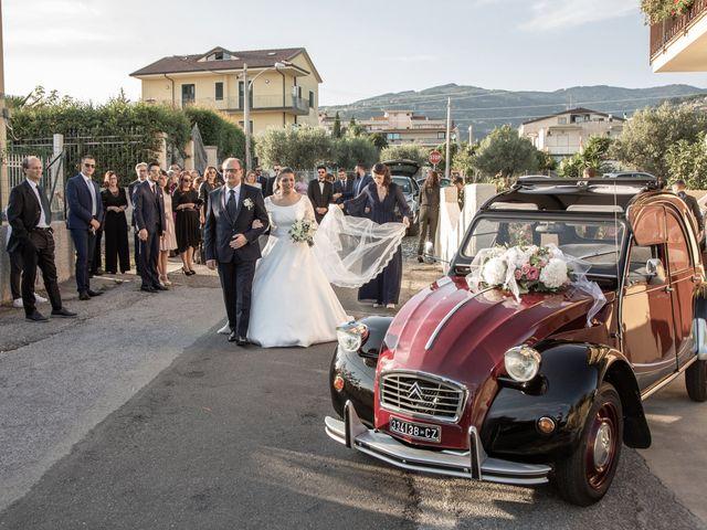 Il matrimonio di Vincenzo e Silvia a Caraffa di Catanzaro, Catanzaro 8