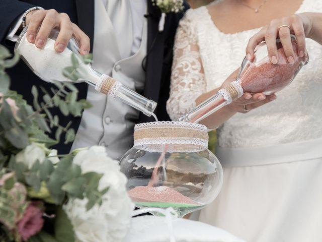 Il matrimonio di Vincenzo e Silvia a Caraffa di Catanzaro, Catanzaro 11