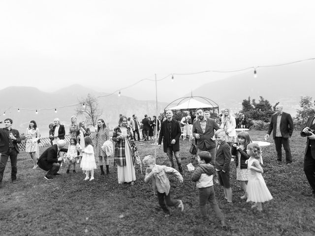 Il matrimonio di Roberto e Viia a Pisogne, Brescia 17