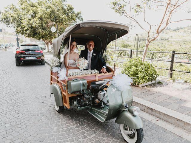 Il matrimonio di Laura e Pietro a Lascari, Palermo 24